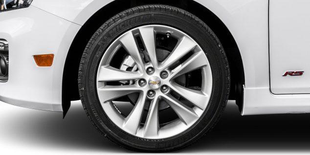 Chevrolet Captiva Images